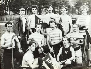 Lawn_Hockey_Team_1900